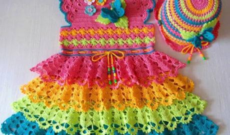 Robe multicolore au crochet