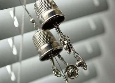Boucles-doreilles des a coudre et boutons pressions
