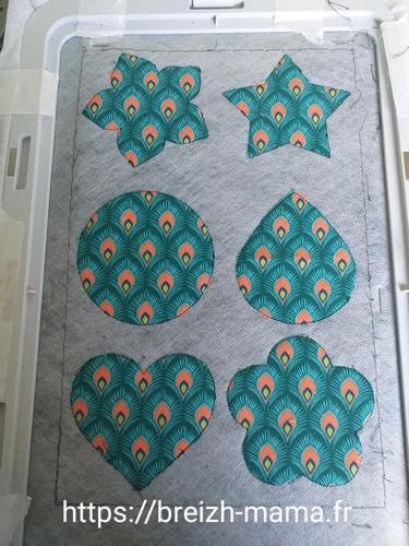 5- Découper le coton autour de la couture