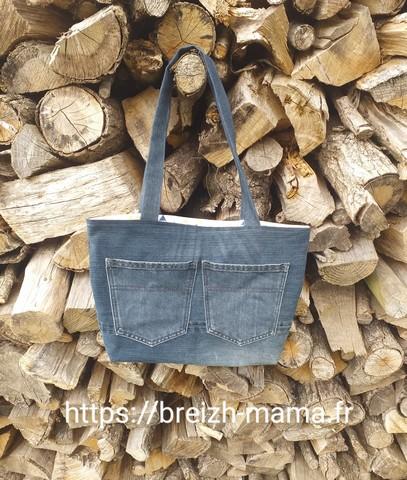Sac jeans recyclé brodé paysage marin bateaux-verso