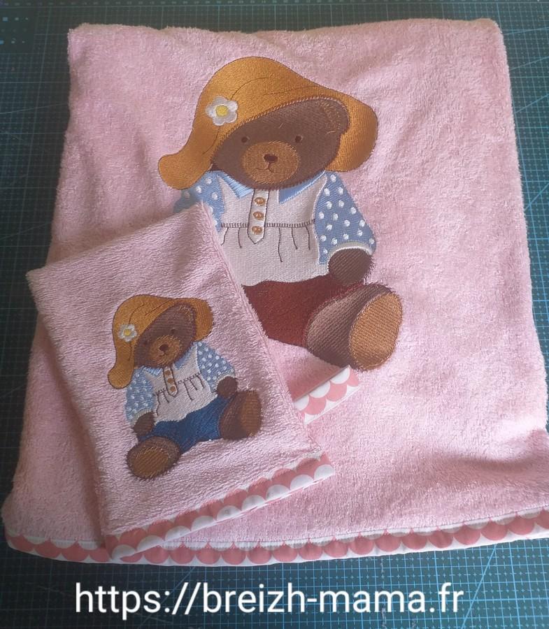 Ensemble de bain brodé Teddy Bear