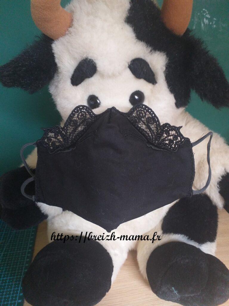 Masque arabesques brodé ITH